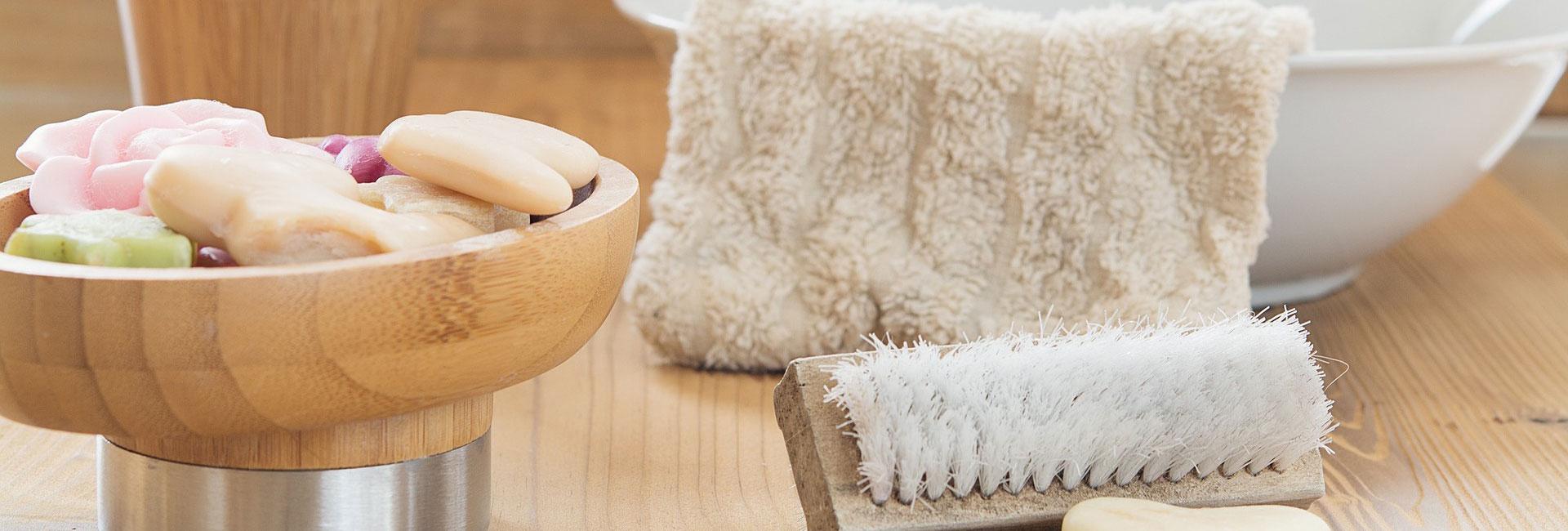 Waschlappen und Seife für die Grundpflege